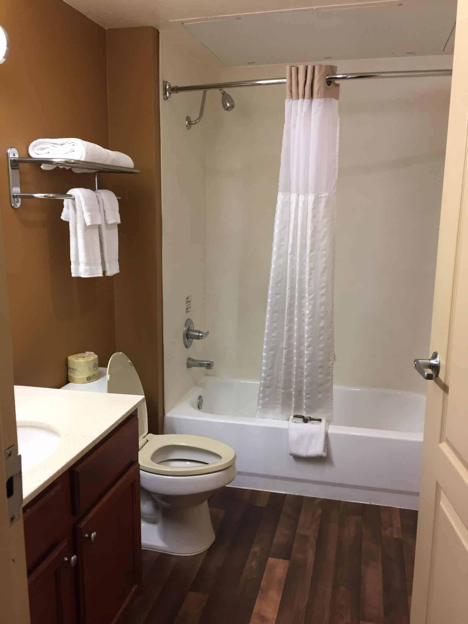 extended-stay-america-for-family-friendly-and-pet-friendly-travel-bathroom-e1502303441636-6130200
