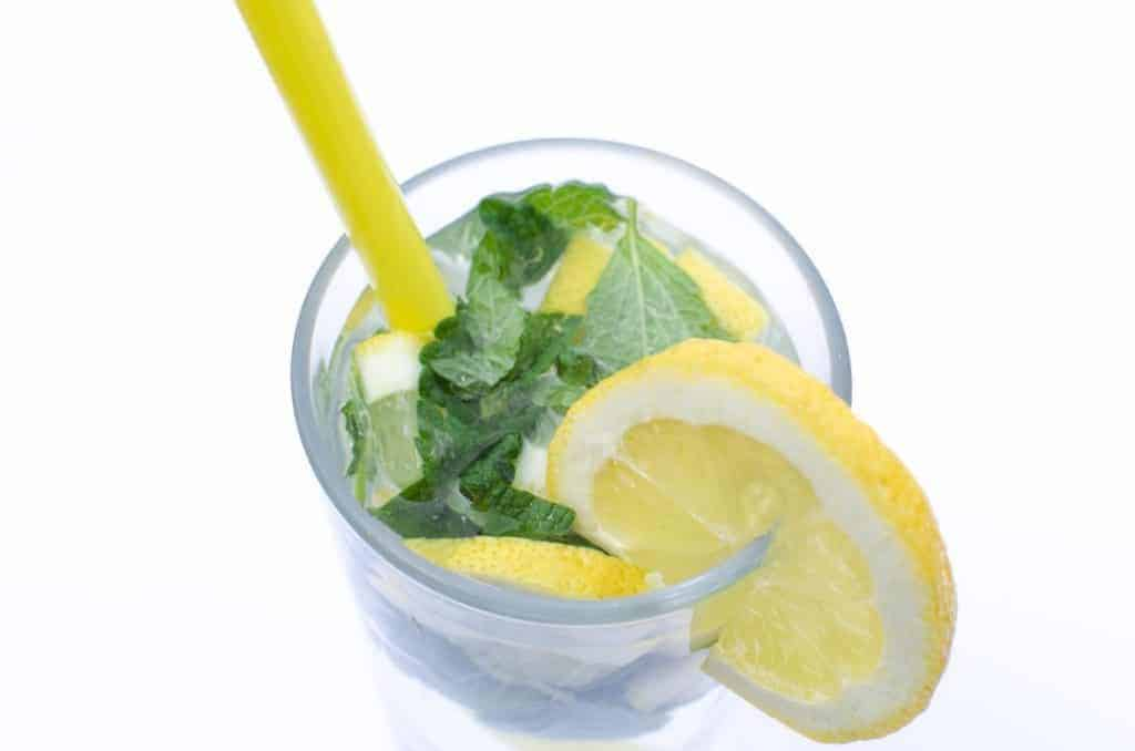 fruit-infused-water-recipes-1024x678-7390469