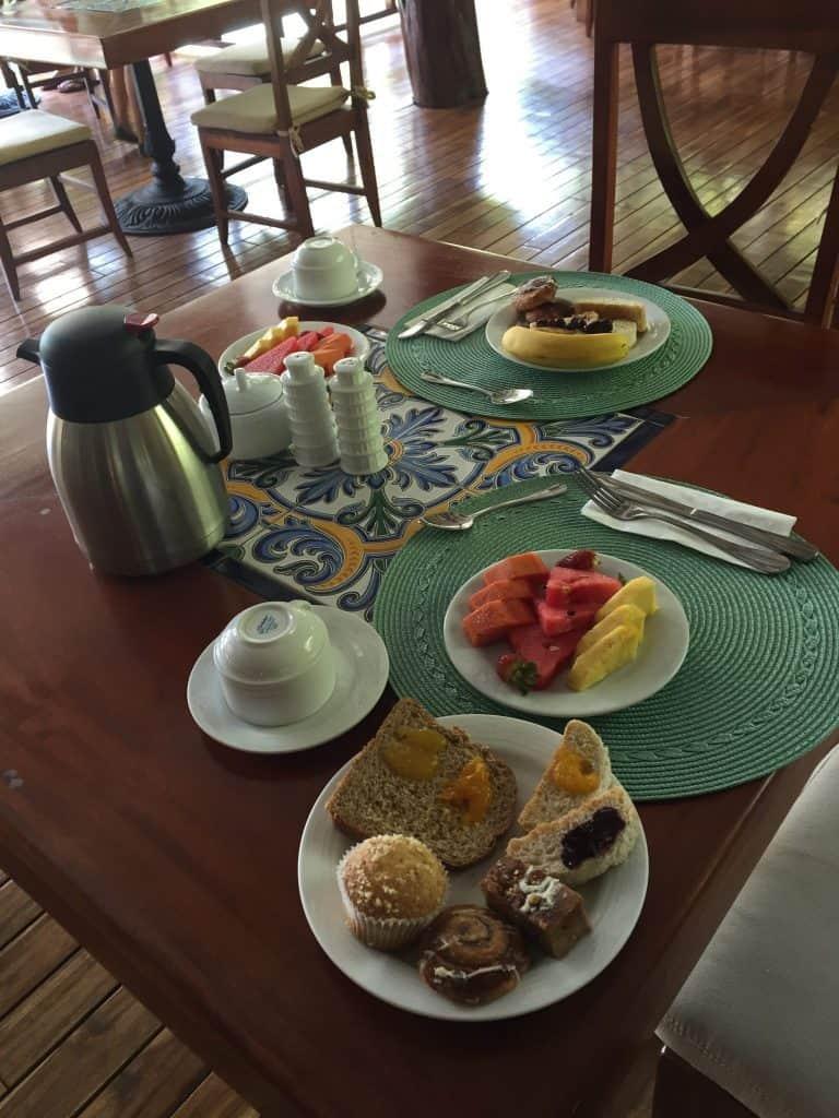 jardin-del-eden-boutique-hotel-review-breakfast-table-768x1024-3356604