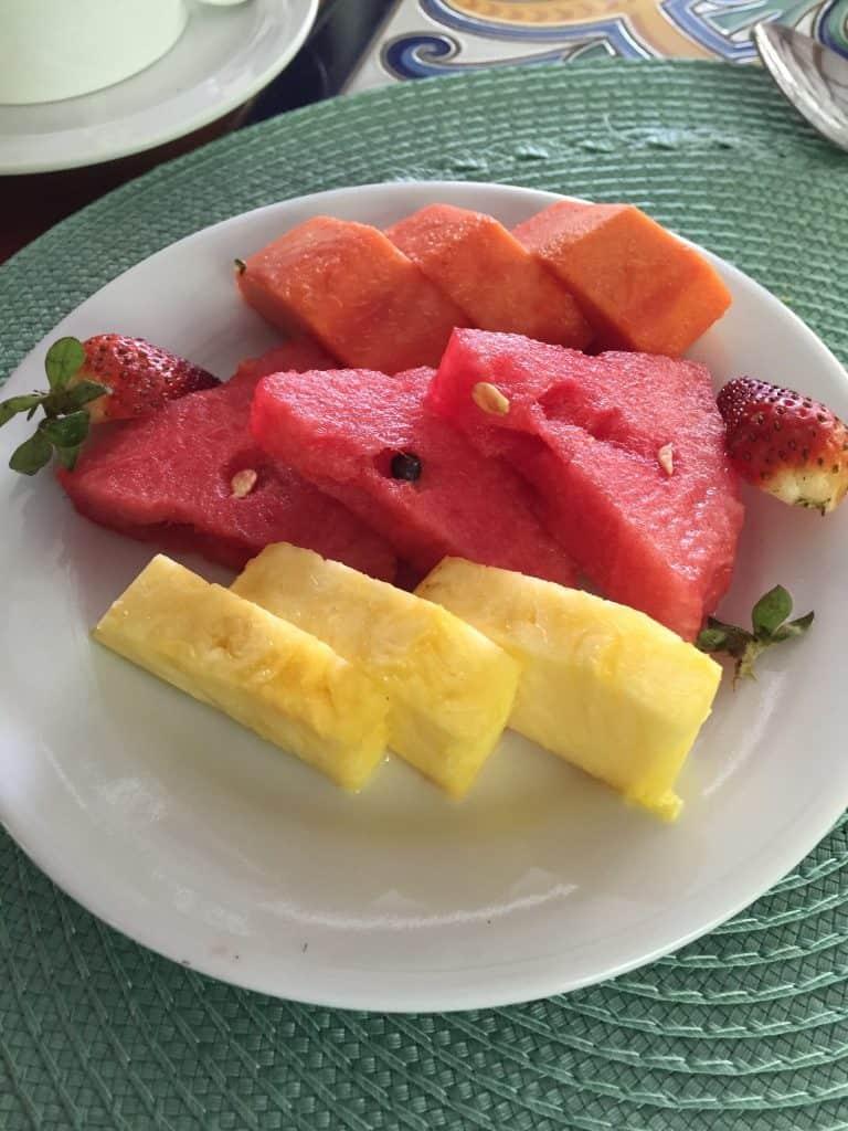 jardin-del-eden-boutique-hotel-review-fruit-plate-breakfast-768x1024-9084326