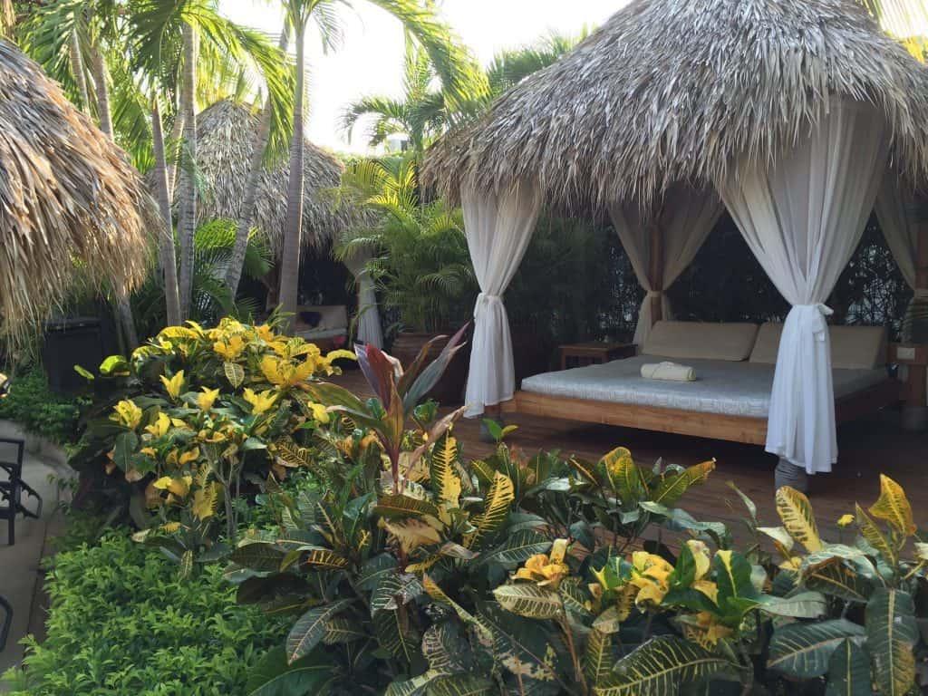 jardin-del-eden-hotel-review-costa-rica-pool-cabana-1024x768-2701832