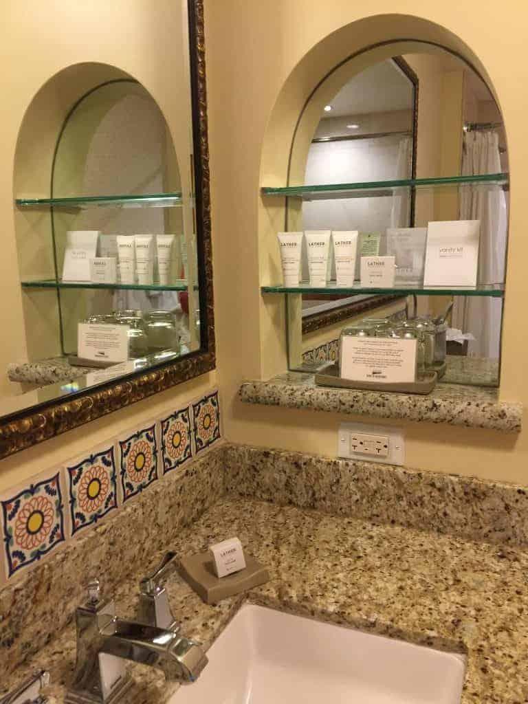 review-casa-munras-garden-hotel-spa-monterey-california-bathroom-768x1024-4660175