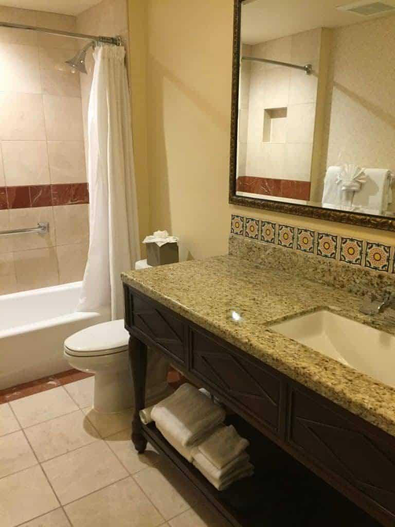 review-casa-munras-garden-hotel-spa-monterey-california-bathroom-pic-768x1024-7406850