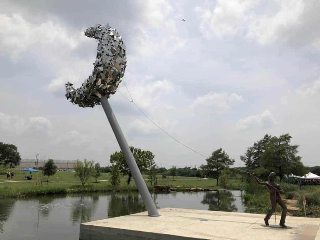 greenline-park-statue-boy-and-moon-southside-san-antonio-travel-bloggers-tour-1024x768-1987485