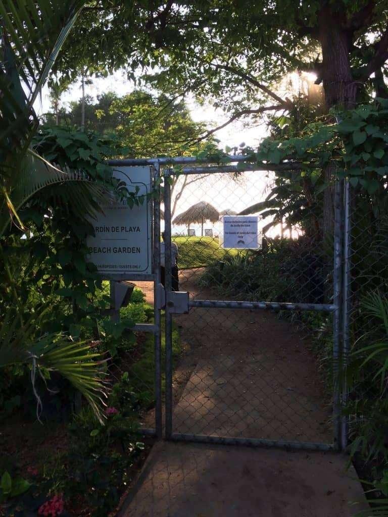 jardin-del-eden-adults-only-hotel-guanacaste-private-beach-garden-gate-768x1024-4415472