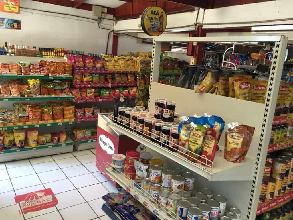 jardin-del-eden-hotel-tamarindo-grocery-store-nearby-1024x768-5599956