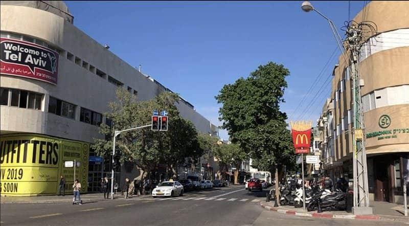 king-george-street-in-tel-aviv-israel-mc-donalds-sign-8006487