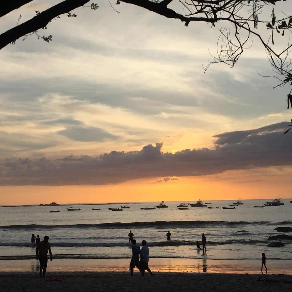 sunset-playa-tamarindo-1024x1024-9298059